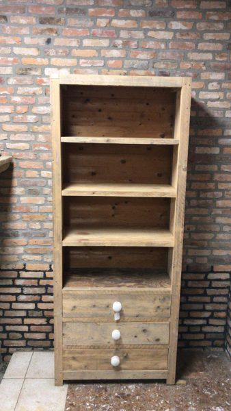 Kast. sloophout, meubilair, tweedehands materialen, gebruikt, Rijsbergen, Zundert, Breda, Etten-Leur, circulaire bouwmaterialen, afhalen