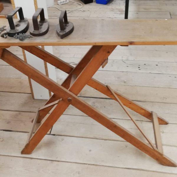 Antieke strijkplank – 10251