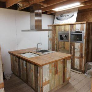 Sloophout keukens