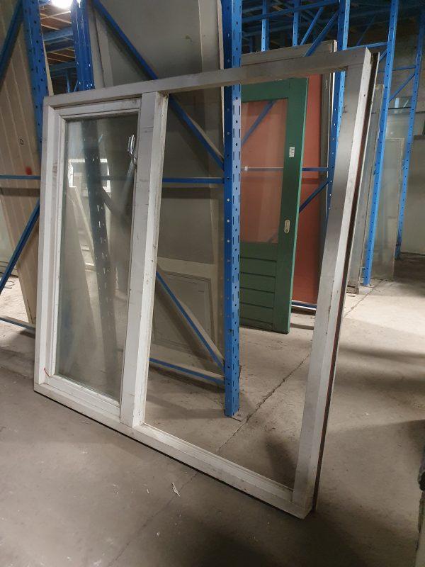 Dubbel raamkozijn met openslaand raampje | 178x174 cm