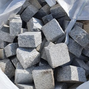 Natuursteen vierkante ruwe blokjes | 15x15x10 cm | Per big bag