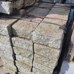 Natuursteen ruwe banden | 105x25x12 cm