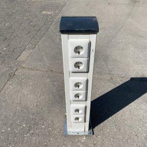 Stopcontactpaal | Stopcontacten en internetaansluiting